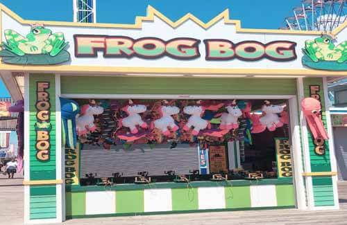 Image of the frog bog stand on the seaside heights boardwalk
