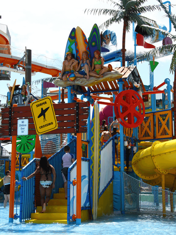 photo of the colorful multi level interactive water play attraction at the Keansburg Amusement Parks Runaway Rapids